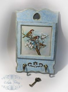 Scrapbooking Layouts Vintage, Vintage Scrapbook, Old Key Crafts, Diy And Crafts, Altered Boxes, Altered Art, Victorian Crafts, Globe Art, Small Wood Projects