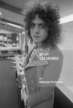Marc Bolan in 1972, France, thank you so much, Mr. Putland, for this lovely pic! And yes, Marc, you were a beauty indeed