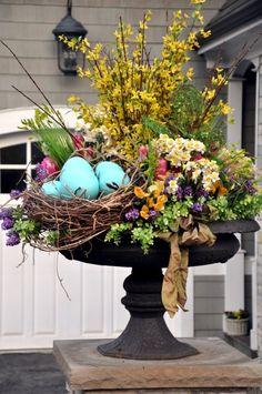 decoratiuni de paste in gradina Outdoor Easter decorations 5