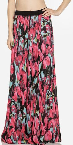 flower maxi skirt; normally I'm not a huge fan of maxi skirts on me, but I like this one's style.