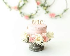 This is a sweet cake for a cake smash! - Pink Birthday Cake Ideen - first birthday cake-Erster Geburtstagskuchen 1st Birthday Photoshoot, First Birthday Photos, First Birthday Cakes, 1st Birthday Parties, Birthday Ideas, Birthday Pictures, Baby Cake Smash, Baby Girl Cakes, Cake Smash Cakes