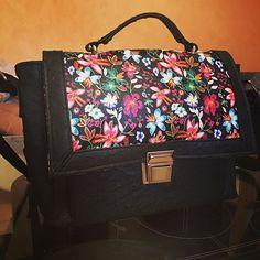 elodielardoux Mon tout nouveau sac à main terminé !! 👜😍 #sacotin #sacôtin #lamerceriedescreateurs #tissumyrtillerennes #couture #sac #coutureaddict #faitmaison