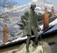 Statue de J.-J. Rousseau au jardin du clos Savoiroux © domaine public