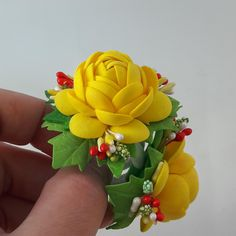 Елена ( Алена) Чиркина - Фотография из альбома | OK.RU Kanzashi Flowers, Felt Flowers, Flowers In Hair, Paper Quilling, Interior Design Living Room, Beaded Jewelry, Diy And Crafts, Bouquet, Hair Accessories