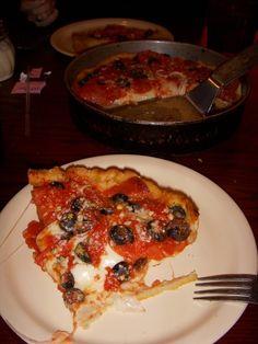 Chicago style pizza from Lou Malnatis http://media-cache2.pinterest.com/upload/26106872809392700_vp6UidRe_f.jpg denielleb foodie
