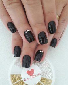 45 unhas decoradas pretas que provam que a cor é sempre uma boa ideia