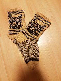 "Kissmirrit sokker. Mønster fra boka ""Villit vanttuut & vallattomat villasukat"" Finsk strikkebok. Espadrilles, Wedges, Shoes, Fashion, Espadrilles Outfit, Moda, Zapatos, Shoes Outlet, Fashion Styles"