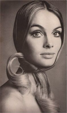 Richard Avedon, Jean Shrimpton - one of the famous models from the 60's