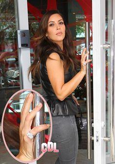 Kim Kardashian Engaged - Kanye West Proposes With Huge 10 Carat Diamond Ring (Report Photo)
