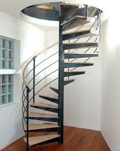 Escalier en colimaçon / structure en métal / marche en bois / à limon central DH28 ESCALIERS DECORS