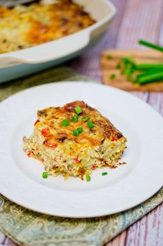 Delicious and appetizing breakfast hashbrown and sausage casserole! Perfect weekend breakfast/brunch! #deliciousmeetshealthy #breakfast #brunch #holiday #crowdpleaser #casserole #lunch #healthy #delicious