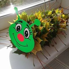 - Осенние поделки аппликация осень paper fall autumn … Autumn crafts applique autumn paper fall autumn craft for kids lavoretti - Kids Crafts, Leaf Crafts, Pine Cone Crafts, Winter Crafts For Kids, Preschool Crafts, Diy For Kids, Diy And Crafts, Autumn Activities, Activities For Kids