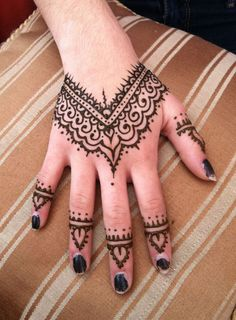 Pretty Henna Hand painted at one of our Art festivals.
