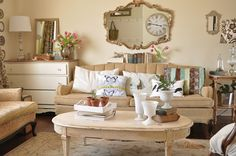 Wall color Benjamin Moore French canvas in Aura Flat