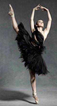 tenue de danse moderne, ballerine noire