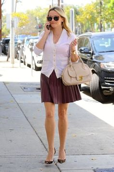 Reese Witherspoon Photos Photos - Actress and busy mom Reese Witherspoon is…