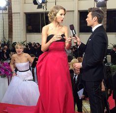 Jennifer Lawrence photobomb Taylor Swift