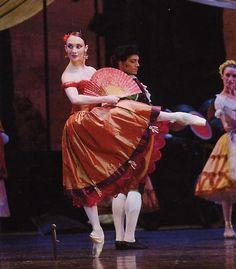 Eve Grinsztajn Don Quichotte Ballet Performances, Dancers, Snow White, Fan, Disney Princess, Disney Characters, People, Don Quixote, Snow White Pictures