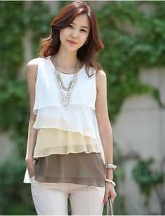 f26799a9b5ea6 Stylish Scoop Neck Sleeveless Color Block Tiered Blouse For Women