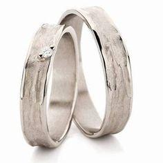 Trouwringen Odette & Swa N° 22 Diy Rings, Jewelry Rings, Silver Rings, Jewellery, Couple Jewelry, Couple Rings, Couple Ring Design, Ring Designs, Wedding Bands