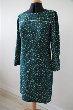 Article détaillé sur la réalisation de la robe Vanessa de République du Chiffon. Blog LaisseLuciefer.