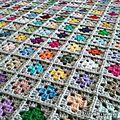 Couverture bébé Mini-grannies multicolore - Patty crochète