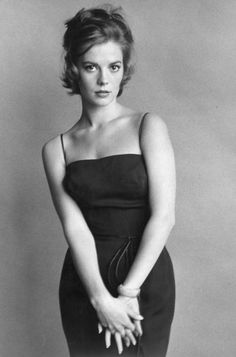 Natalie Wood - a very modern woman ahead of her time. This picture looks like it could have been in Vogue in 2012.