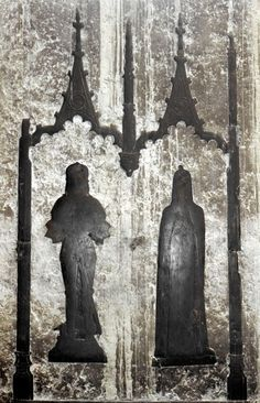 St Michael, Chenies, Buckinghamshire. Edmund Molyneux & wife Agnes (Cheyne), 1484. The knight wears a sallet & couters; 'Here lies Dame Agnes Cheyne sometime wife of Sir John Cheyne knight who died day A.D. and Edmund Molyneux Esq. Second husband of the aforesaid lady who died 21 January A.D. 1484 on whose souls may God have mercy'