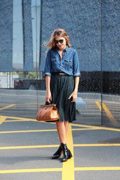 . Falda / Skirt: Vintage  . Camisa / Denim shirt: Oysho (old)  . Botines / Boots: Zara  . Cinturón / Belt: Asos (HERE)  . Bolso / Bag: vintage