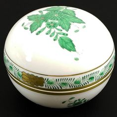 Herend Hungary Chinese Bouquet Green Gold Round Trinket Box Handpainted #Herend