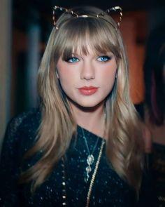 Taylor Swift Red, Red Taylor, Taylor Lyrics, Singer, Female, Princess, Inspiration, Instagram, Artists