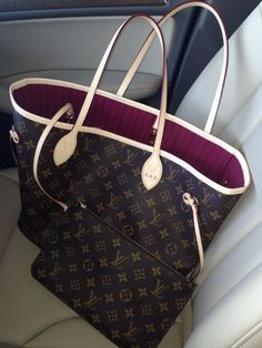 Bag crush my new Louis Vuitton Neo Neverfull in fuschia - Louis Vuitton Handbags Neverfull - Trending Louis Vuitton Handbags Neverfull - Bag crush my new Louis Vuitton Neo Neverfull in fuschia Luxury Handbags, Louis Vuitton Handbags, Purses And Handbags, Louis Vuitton Monogram, Designer Handbags, Burberry Handbags, Handbags Online, Leather Handbags, Neverfull Louis Vuitton