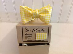 Boys yellow and white gingham bow tie in gift box by TieFetish,