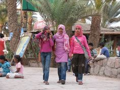 Egyptian Young People A Photo From South Sinai Delta Trekearth Dahab Egypt People
