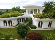 "A beautiful, harmonious marriage of architecture and nature or ""biotecture"".Another Earthship. A beautiful, harmonious marriage of architecture and nature or ""biotecture"". Natural Building, Green Building, Building A House, Building Plans, Building Design, Building Homes, Building Ideas, Amazing Architecture, Architecture Design"