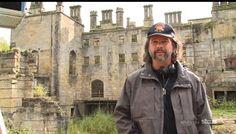 Outlander Set - Ron Moore Outlander Film, Outlander Season 1, Outlander Book Series, Sorceress Costume, Ron Moore, Terry Dresbach, Diana Gabaldon Books, Jaime Fraser