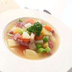 middag Arkiver - Page 2 of 9 - Smedstua Fruit Salad, Fodmap, Ethnic Recipes, Soups, Om, Salt, Fruit Salads, Soup, Salts