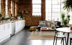 Maxine and Maxwell's open-plan warehouse apartment in London. Love the cabinets, counters and appliances for our outdoor living space. Warehouse Apartment, Warehouse Living, Warehouse Home, Open Plan Apartment, Decoration Ikea, Gravity Home, Deco Originale, Loft, Exposed Brick