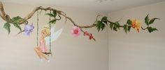 Muurschildering Tinkerbell met kolibri en bloemen, ongveer 12 uur schilderen.