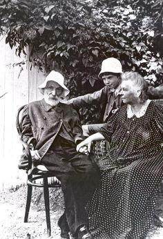 Renoir, Aline & Coco~~ ca. 1912   Los Angeles University of California Art   Library