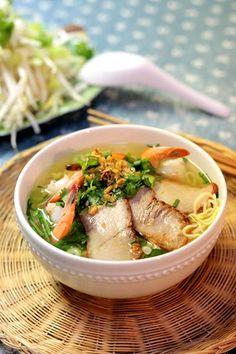 Egg Noodles with Char Siew Recipe (Mì Trứng Xá Xíu). More detail at http://www.vietnamesefood.com.vn/vietnamese-recipes/vietnamese-noodle-recipes/egg-noodles-with-char-siew-recipe-mi-trung-xa-xiu.html