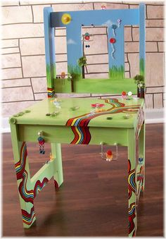 Childrens Painted Chair Custom BUTTON FRIENDS door DreamNColor, $195,00