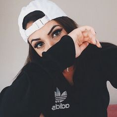 Image about girl in baddies by mm on We Heart It Photography Poses Women, Tumblr Photography, Girl Photo Poses, Girl Poses, Style Outfits, Photos Tumblr, Foto Instagram, Instagram Fashion, Selfie Poses