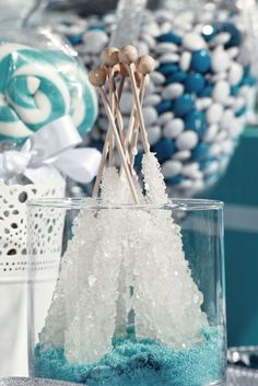 Icicles for a Winter Wonderland or Frozen Party. Love the simplicity!