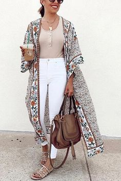 Boho Summer Outfits, Boho Outfits, Fashion Outfits, Outfits With Kimonos, Boho Work Outfit, Summer Dresses, Kimono Cardigan Outfit, Long Cardigan Outfit Summer, White Kimono Outfit