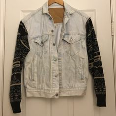 Denim jacket Perfect for an oversized fit denim jacket. I'm a size small and it fit me really well! Urban Outfitters Jackets & Coats Jean Jackets
