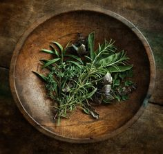 sage, rosemary and thyme. Dan Routh Photography sage, rosemary and thyme. Dan Routh Photographysage, rosemary and thyme. Spices And Herbs, Fresh Herbs, Vida Natural, Natural Hair, Aromatic Herbs, Medicinal Herbs, Herb Garden, Parsley, Herbalism