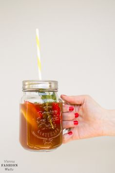 Rooibos ice Tea with KISSA Tea Rooibos tea powder - refreshing, simply delicious & irresistible > www.ViennaFashionWaltz.com-9 Cocktails, Cocktail Drinks, Gin, Tea Powder, Iced Tea, Tea Time, Mason Jars, Mugs, Tableware