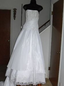 Lot of wedding gowns wholesale