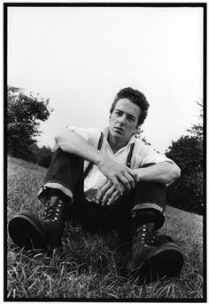 Joe Strummer. Sorry for the Joe Strummer fest,post-a-thon. Just realized how much I loved this dude and how unfair it is that he is gone:-(